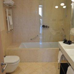 Отель Gran Hotel Sardinero Испания, Сантандер - отзывы, цены и фото номеров - забронировать отель Gran Hotel Sardinero онлайн ванная