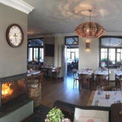 Hotel Aux Ecuries De La Reine гостиничный бар