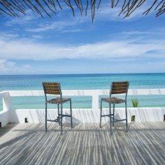 Отель White Sands Negril Ямайка, Саванна-Ла-Мар - отзывы, цены и фото номеров - забронировать отель White Sands Negril онлайн балкон