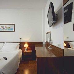 Отель Albergo Romagna Бертиноро сейф в номере