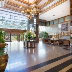 Отель Cholchan Pattaya Beach Resort интерьер отеля фото 3