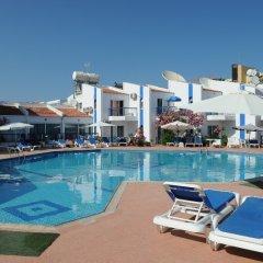 Alexia Hotel Apartments бассейн