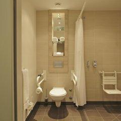 Отель H2 Hotel Berlin-Alexanderplatz Германия, Берлин - 5 отзывов об отеле, цены и фото номеров - забронировать отель H2 Hotel Berlin-Alexanderplatz онлайн ванная