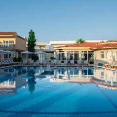 Lavris Hotel Bungalows бассейн фото 3