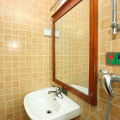 Отель Fubao Hostel Китай, Гуанчжоу - отзывы, цены и фото номеров - забронировать отель Fubao Hostel онлайн ванная фото 2
