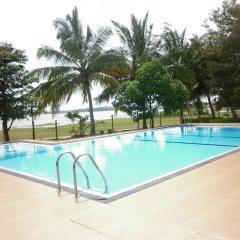 Wila Safari Hotel бассейн