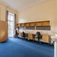 Отель LSE Passfield Hall Лондон комната для гостей