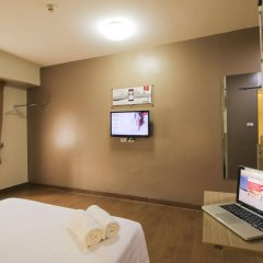 Отель Red Planet Manila Mabini Филиппины, Манила - 1 отзыв об отеле, цены и фото номеров - забронировать отель Red Planet Manila Mabini онлайн удобства в номере