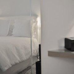 Отель La Maison Champs Elysées Франция, Париж - отзывы, цены и фото номеров - забронировать отель La Maison Champs Elysées онлайн сейф в номере