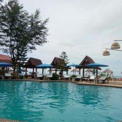 Отель Blue Andaman Lanta Resort Ланта бассейн фото 2