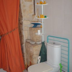 Отель Bed and Breakfast Charenton Франция, Париж - отзывы, цены и фото номеров - забронировать отель Bed and Breakfast Charenton онлайн ванная