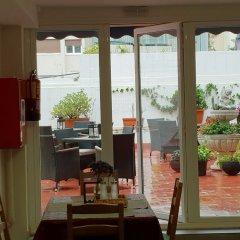 Отель Hostal Liwi Испания, Барселона - отзывы, цены и фото номеров - забронировать отель Hostal Liwi онлайн питание