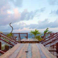 Отель Point Inn бассейн