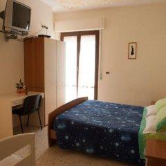 Отель Bed And Breakfast Torretta Контрогуерра сейф в номере
