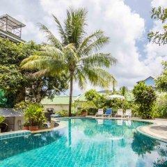 Baan Lukkan Hostel бассейн фото 4