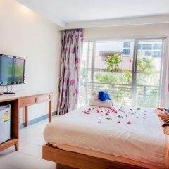 Отель Kata Blue Sea Resort удобства в номере