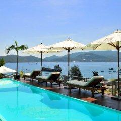 Отель Maritime Hotel Nha Trang Вьетнам, Нячанг - отзывы, цены и фото номеров - забронировать отель Maritime Hotel Nha Trang онлайн бассейн фото 2