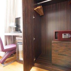 Отель Best Western Plus Arcadia Вена сейф в номере