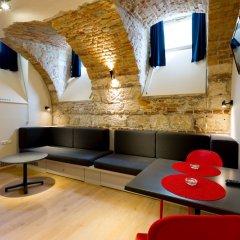 Отель Dice Apartments Венгрия, Будапешт - отзывы, цены и фото номеров - забронировать отель Dice Apartments онлайн развлечения