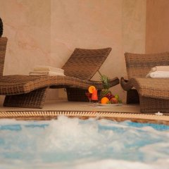 Гостиница Нобилис бассейн