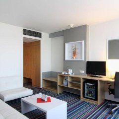 Отель Holiday Inn Prague Airport Чехия, Прага - 3 отзыва об отеле, цены и фото номеров - забронировать отель Holiday Inn Prague Airport онлайн комната для гостей фото 5
