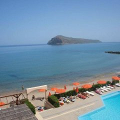 Hotel Haris пляж