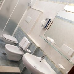 Отель Grand Hotel La Tonnara Италия, Амантея - отзывы, цены и фото номеров - забронировать отель Grand Hotel La Tonnara онлайн ванная