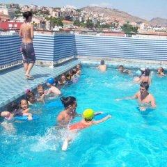 Efsane Hotel Турция, Дикили - отзывы, цены и фото номеров - забронировать отель Efsane Hotel онлайн бассейн фото 3