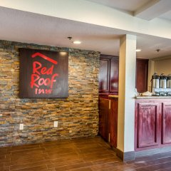 Отель Red Roof Inn Tulare - Downtown/Fairgrounds интерьер отеля