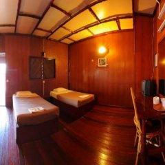 Отель Dragon Inn Floating Resort комната для гостей фото 5