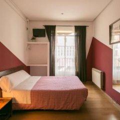 Отель Hostal La Casa de La Plaza сейф в номере