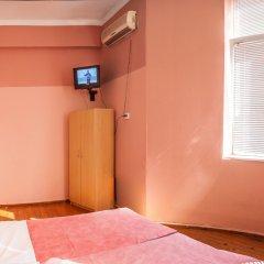 Отель Galiani GuestRooms сейф в номере