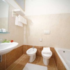 Hotel Sport Римини ванная