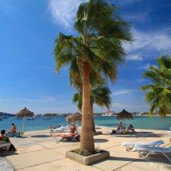 Hotel Ses Figueres пляж