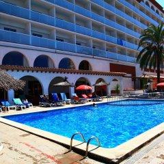 Отель Ohtels San Salvador бассейн