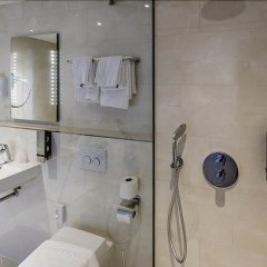Отель Ozo Hotel Нидерланды, Амстердам - 9 отзывов об отеле, цены и фото номеров - забронировать отель Ozo Hotel онлайн ванная