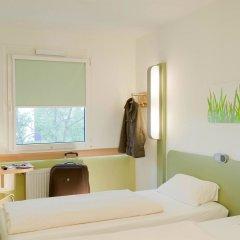 Отель ibis budget Zurich City West комната для гостей