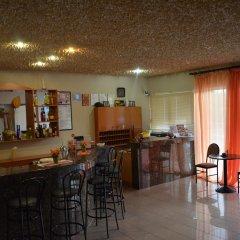 Отель Kremasti Memories гостиничный бар