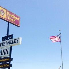 Отель Budget Host Platte Valley Inn городской автобус