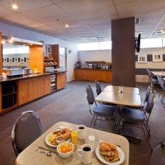 Отель Les Suites Labelle Hotel Канада, Монреаль - отзывы, цены и фото номеров - забронировать отель Les Suites Labelle Hotel онлайн питание