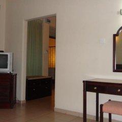 Отель Shalimar Hotel Шри-Ланка, Коломбо - отзывы, цены и фото номеров - забронировать отель Shalimar Hotel онлайн удобства в номере фото 2