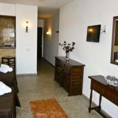 Отель Apartamentos Mestret Испания, Сан-Антони-де-Портмань - отзывы, цены и фото номеров - забронировать отель Apartamentos Mestret онлайн комната для гостей фото 5