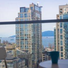 Отель Best Location Yaletown Luxury Suites Канада, Ванкувер - отзывы, цены и фото номеров - забронировать отель Best Location Yaletown Luxury Suites онлайн балкон