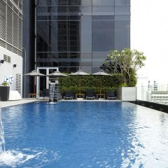 Отель Novotel Ploenchit Sukhumvit Бангкок бассейн