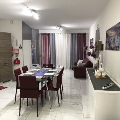 Апартаменты Marsascala Sea View Luxury Apartment & Penthouse Марсаскала комната для гостей фото 4