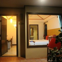 Отель Golden Bay Cottage Ланта балкон