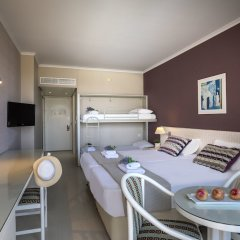 Pavlo Napa Beach Hotel in Ayia Napa, Cyprus from 144$, photos, reviews - zenhotels.com in-room dining