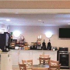 Отель La Quinta Inn Columbus Dublin гостиничный бар