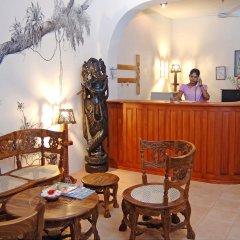 Отель Wunderbar Beach Club Hotel Шри-Ланка, Бентота - отзывы, цены и фото номеров - забронировать отель Wunderbar Beach Club Hotel онлайн интерьер отеля фото 3