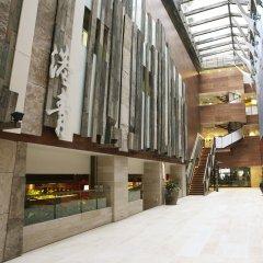 Отель The Salisbury - YMCA of Hong Kong балкон